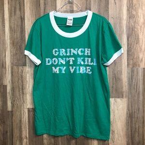 "VS Pink ""Grinch don't kill my vibe"" T-Shirt L"